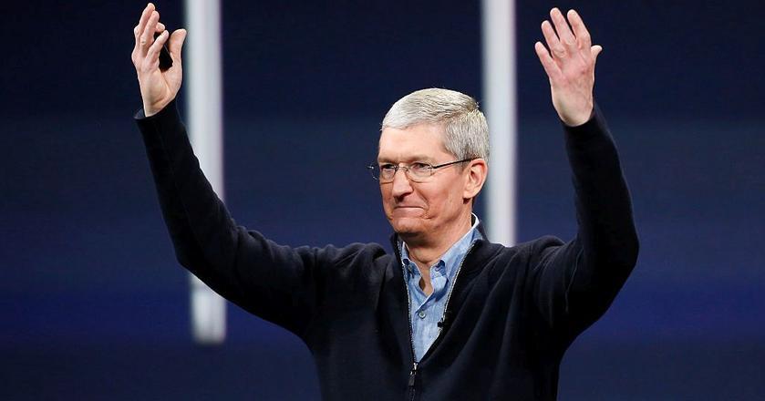 Tim Cook, CEO Apple'a