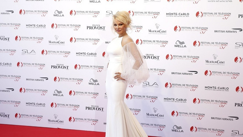 Aktorka bierze aktualnie udział w festiwalu telewizyjnym w Monte Carlo...
