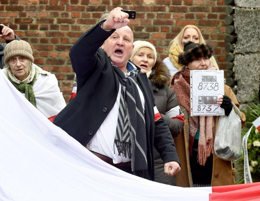 Zwolennicy Rybaka na rocznicy wyzwolenia obozu Auschwitz-Birkenau