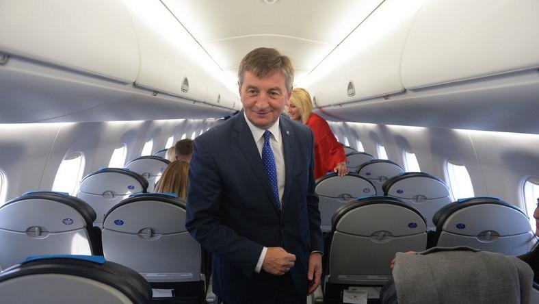Marek Kuchciński w samolocie