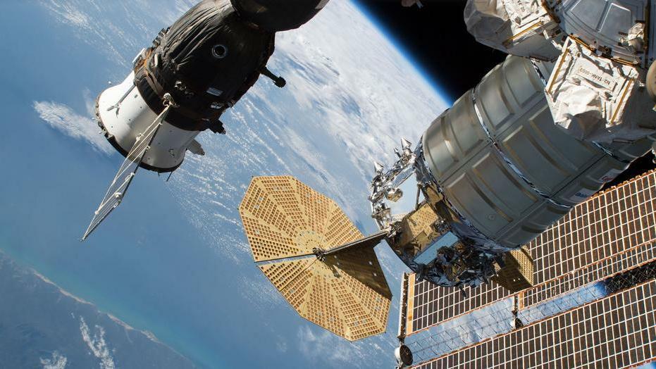 Űrállomás és űrsikló fejlesztésére készül Oroszország