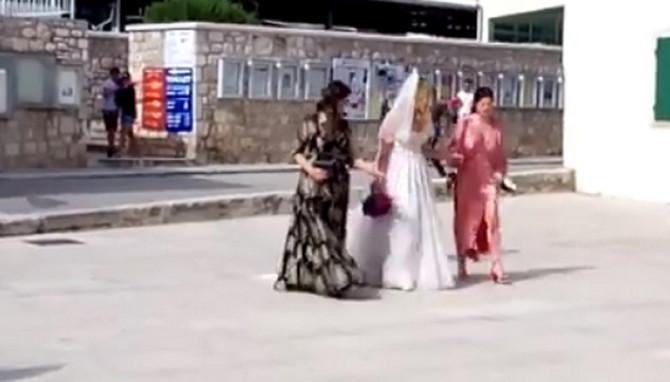 Bruna Sanader dolazi na venčanje