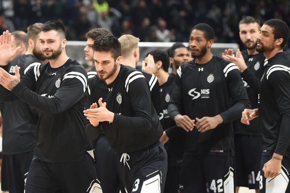 A ČINILO SE DA DO OVOGA NEĆE DOĆI Reprezentativac Srbije IPAK otišao iz Partizana!