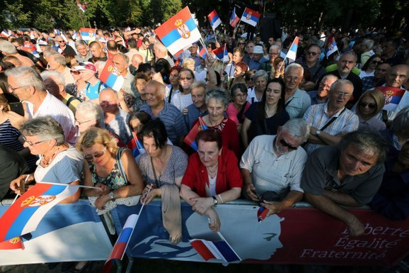 Građani čekaju Makrona i Vučića na Kalemegdanu