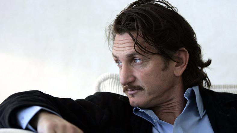 Sean Penn rockamnem z misją