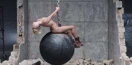 """Naga """"kreacja"""" Miley. Pokazała wszystko"""