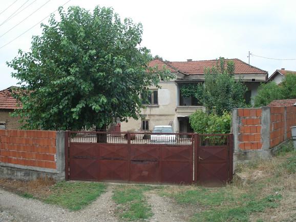 Kuća osumnjičenog u kojoj se desilo zlostavljanje