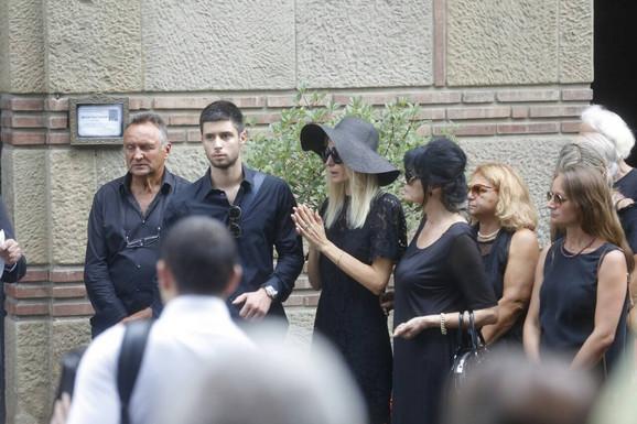 Petar na sahrani svog oca