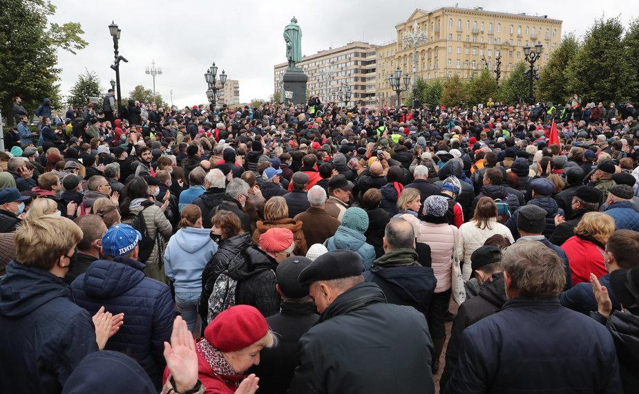 Protesty po wyborach w Rosji. Zwolennicy Komunistów wyszli na ulicę [ZDJĘCIA]