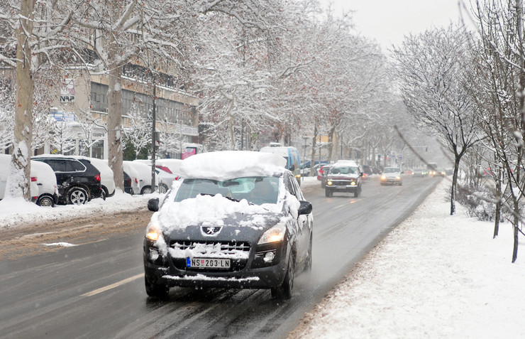 Novi Sad Sneg Saobracaj hladno vreme foto Robert Getel