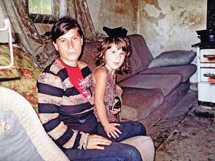 Tijana Ramani, devojčica i majka iz Surdulice