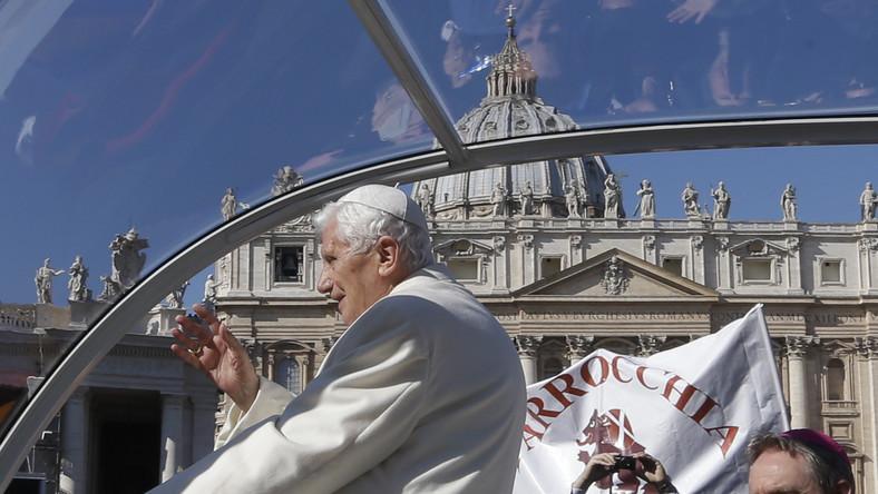 Dziennikarz z KAI: Papież pożegnał się z wiernymi, ale ich nie zostawił