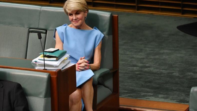 Była pani minister spraw zagranicznych Australii najwyraźniej uznała, że codzienne obowiązki to dobra okazja do zaprezentowania się w takiej stylizacji, ale...