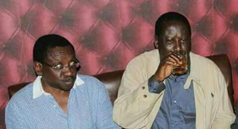 ___6896548___https:______static.pulse.com.gh___webservice___escenic___binary___6896548___2017___6___25___17___James-Orengo_Raila-Odinga_drinking_TWITTER