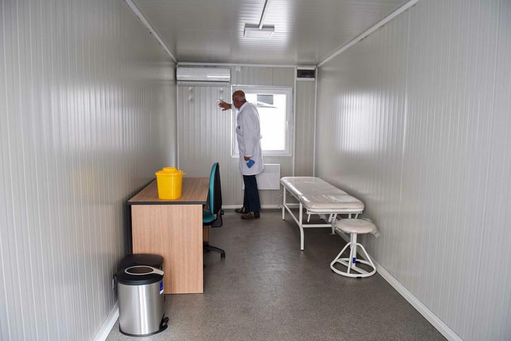 Kragujevac Evropska unija donacija pet kontejnera za kragujevacko zdravstvo 300420 RAS foto Nebojsa Raus02