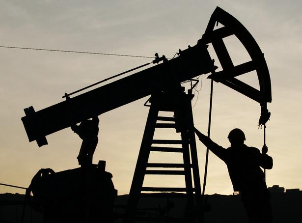 Wydobycie ropy naftowej musi spaść, aby ceny baryłki wzrosły