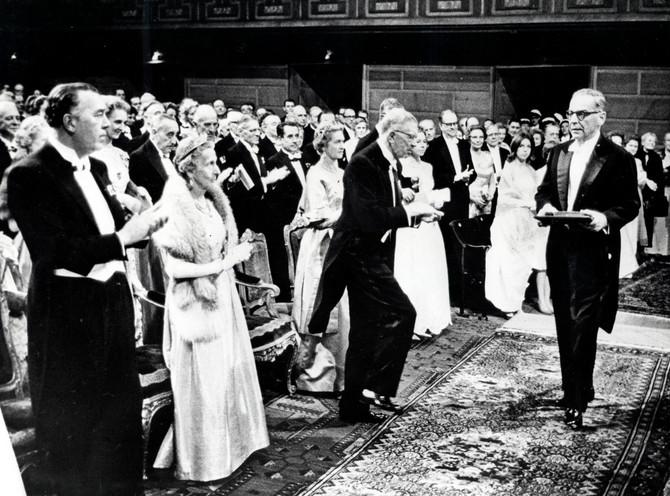 Veliki broj ljudi zna da je Ivo Andrić 1961. u Stokholmu dobio Nobelovu nagradu za književnost, ali ima niz detalja o piscu, nepoznatih široj javnosti