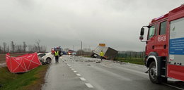 Koszmarny wypadek na Mazowszu. Kierowca bmw nie miał żadnych szans