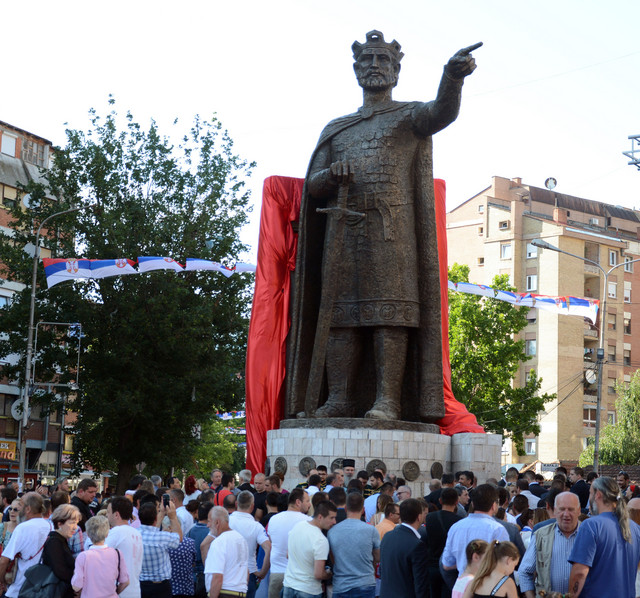 Kosovska Mitrovica Pod Opsadom Vise Novinara I Policajaca Nego