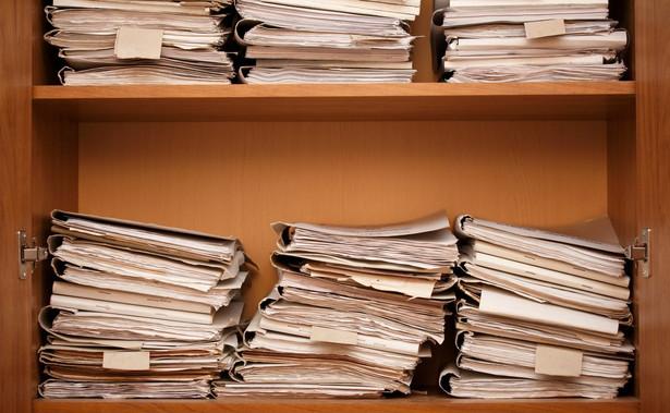 Akta osobowe starych pracowników, tj. zatrudnionych przed 2019 r., przechowujemy co do zasady lat 50, a ich dokumentację urlopową i tę z zakresu ewidencji czasu pracy tylko trzy lata.