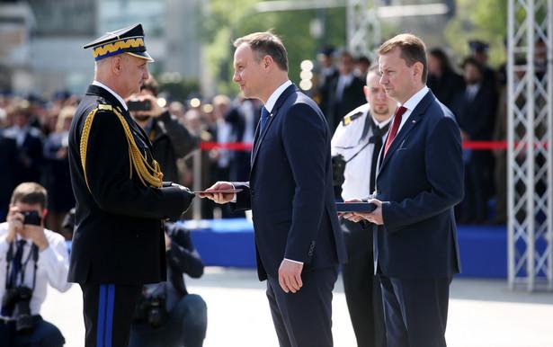 Do stopnia nadbrygadiera, czyli na pierwszy stopień generalski w PSP, zostało awansowanych pięciu oficerów, którzy do tej pory mieli stopień starszego brygadiera