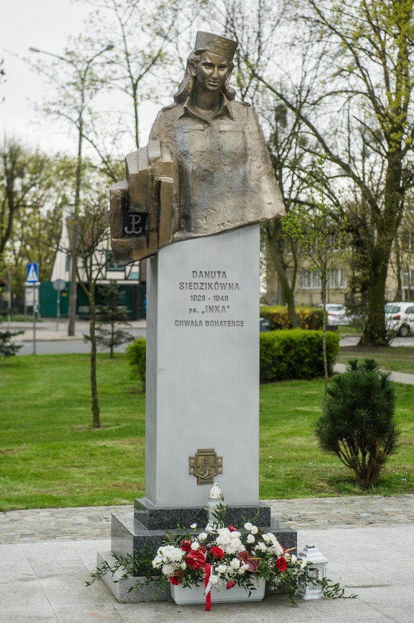 """Wandale zniszczyli pomnik """"Inki"""""""