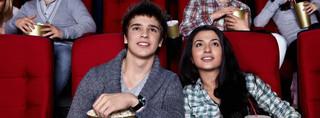 Półgodzinne bloki reklamowe w kinach zostają