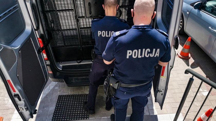 Policja została wezwana przez partnera nagrywanej 25-latki.