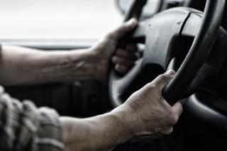 Odstawienie na bok popsutego samochodu nie zwalnia z podatku transportowego