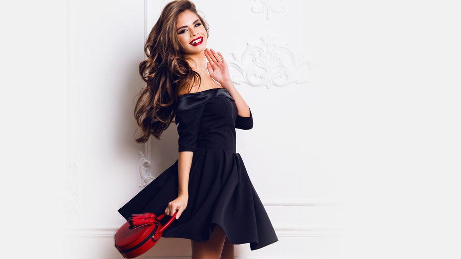 czarne ubrania w promocyjnych cenach