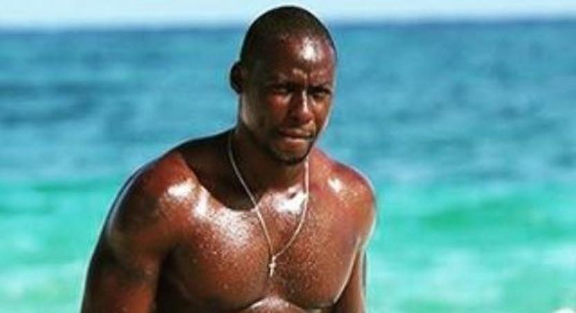 Chris Attoh goes shirtless in new pictures