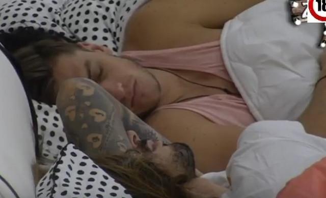 """David u krevetu jutro nakon tuče i pokušaja bekstva iz """"Zadruge 2"""""""