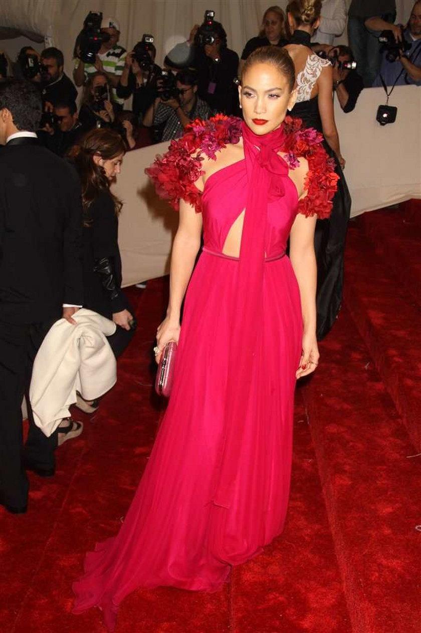 Jennifer Lopez w sukni Gucci