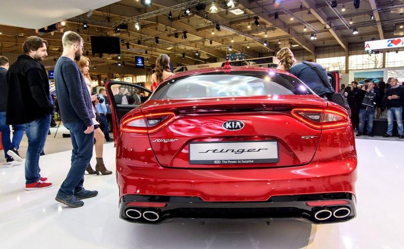 Stinger to pierwszy model marki Kia oferowany, do wyboru, z napędem na tylne lub na cztery koła