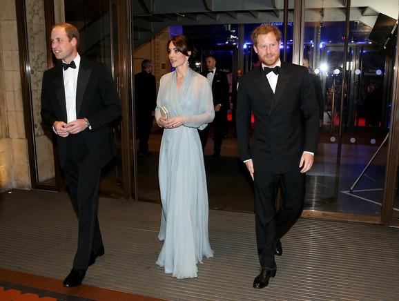 Na premijeri su bili i princ Vilijam, njegova žena Kejt i brat Hari