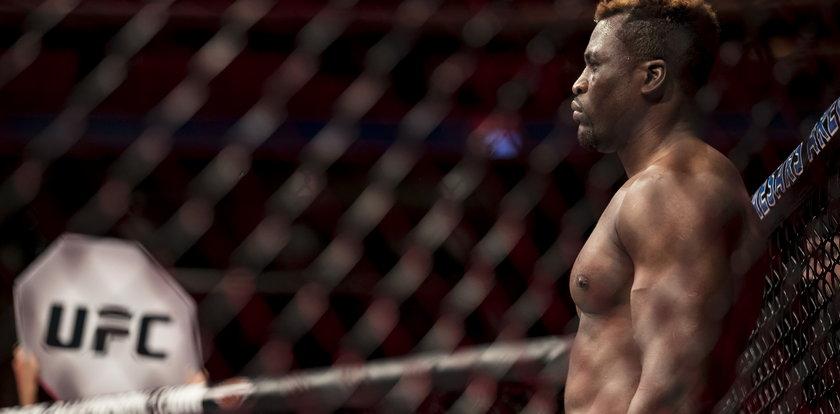 UFC: nowy mistrz i ważna wygrana Polaka
