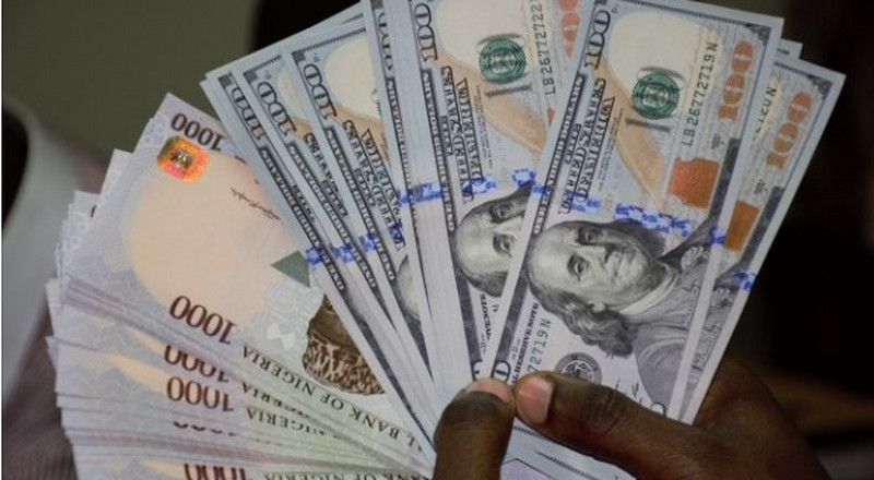 REPORT: Here's why the Nigerian naira may hit N400 per dollar in 2019