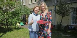 Miss Polonia Karolina Bielawska u dzieci w fundacji Dom w Łodzi