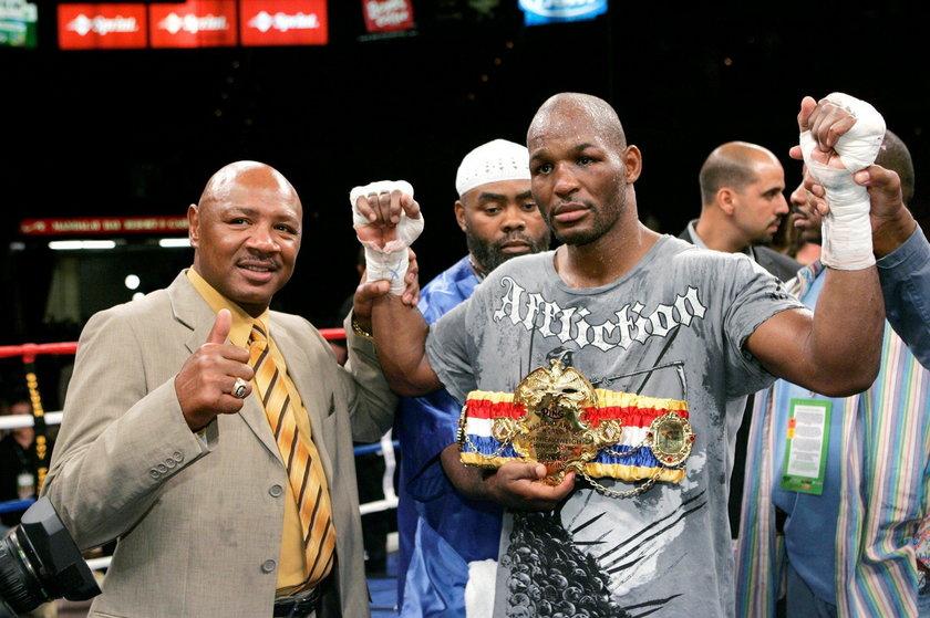 FILE PHOTO: Boxer Marvelous Marvin Hagler poses with Bernard Hopkins, of Philadelphia, following the