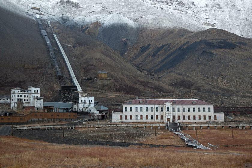 Umarłe miasto. Piramida na Spitsbergenie