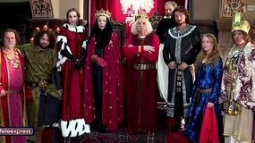 """Serial """"Korona Królów"""" skrytykowany za kostiumy"""