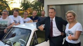Tom Hanks zasiadł za kierownicą malucha