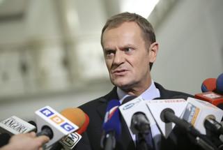 Mobbing u premiera Tuska, czyli bezprawne zwolnienia i gnębienie przez przełożonych