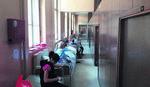 ŠOKANTAN PRIZOR U ČAČKU Trudnice leže u hodnicima jer se porodilište renovira