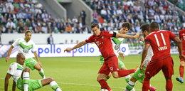 Robben zabrał Lewemu gola, a Bendtner Bayernowi superpuchar