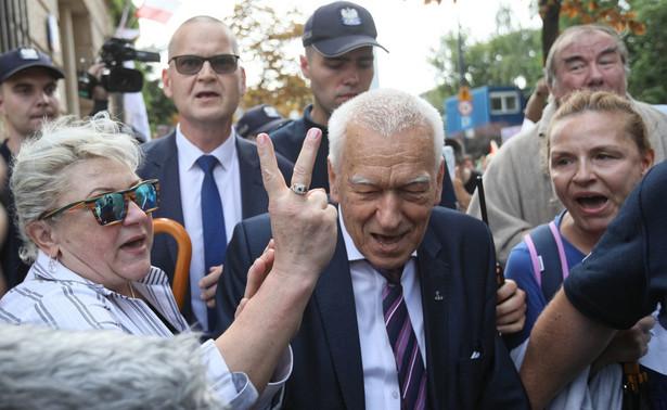 Marszałek senior Kornel Morawiecki wspominał w poniedziałek w Polskim Radiu 24 zmarłego w zeszłym tygodniu b. premiera Jana Olszewskiego.