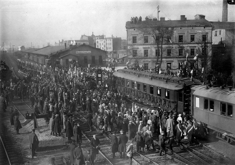 Katowice, październik 1924. Przewiezienie prochów Henryka Sienkiewicza ze Szwajcarii do Polski