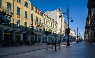 CBOS: 43 proc. Polaków popiera dekomunizację nazw ulic