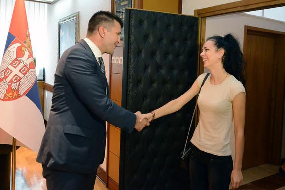 Tijana Bogdanović sa ministrom Đorđevićem