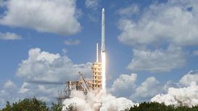Elon Musk pokazuje start rakiety Falcon Heavy